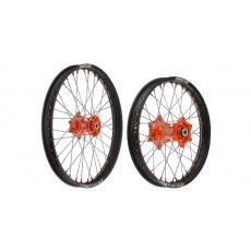 """sada přední (21"""" x 1,6"""") + zadní (19"""" x 1,85"""") kolo kompletní KTM, Q-TECH (černé ráfky, oranžové středy)"""