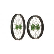 """sada přední (21"""" x 1,6"""") + zadní (19"""" x 1,85"""") kolo kompletní KAWASAKI, Q-TECH (černé ráfky, zelené středy)"""